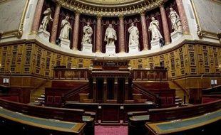Le Sénat a adopté jeudi le premier projet de loi de décentralisation du gouvernement Ayrault, centré sur la création de métropoles, qu'il a largement marqué de son empreinte.