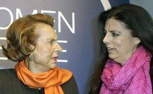Liliane Bettencourt et sa fille Françoise Meyers-Bettencourt, le 3 mars 2011 à Paris.