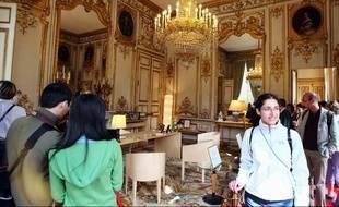 Bureau conçu par Chaix et Morel pour le Mobilier national, présenté lors des Journées du patrimoine en 2007 privé de Nicolas Sarkozy au palais de l'Elysée