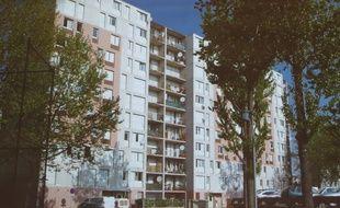 Immeuble des Echarmeaux dans le quartier du Mas du Taureau à Vaulx-en-Velin.