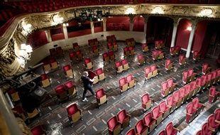 Le théâtre Berliner Ensemble a supprimé des sièges pour accueillir le public.