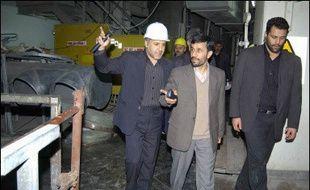 L'Iran entend relancer ses activités liées à l'enrichissement industriel d'uranium avant la réunion le 6 mars de l'Agence internationale de l'énergie atomique (AIEA), a annoncé le gouvernement iranien lundi.