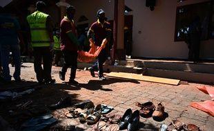L'église Saint-Sébastien de Negombo, près de la capitale du Sri Lanka, Colombo, a été soufflée.