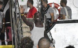 Après 19 jours à bord, plus de 80 migrants de l'Open Arms ont pu débarquer à Lampedusa le 20 août 2019.