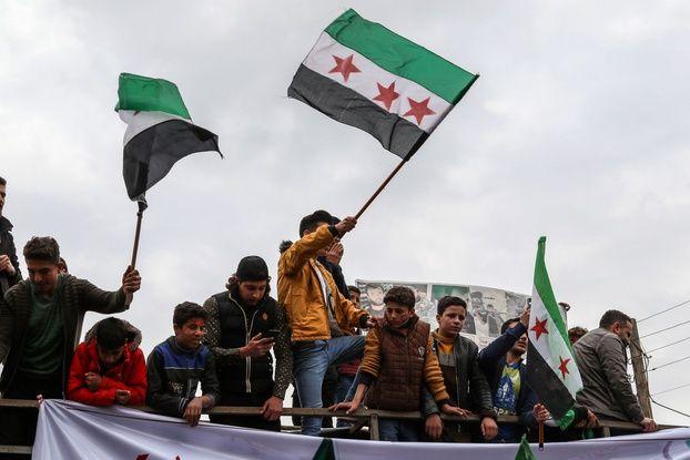648x415 illustration du drapeau syrien