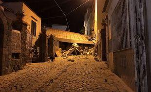 Un séisme de magnitude 3,6 a secoué l'île d'Ischia près de Naples où plusieurs bâtiments se sont effondrés.