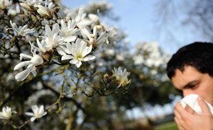 La rhinite allergique, ou rhume des foins, touche 30% des Français.