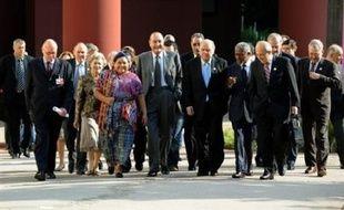 L'ancien président Jacques Chirac doit lancer ce lundi à Paris, entouré d'une pléiade de personnalités internationales, la fondation qui porte son nom, et qui oeuvrera pour le développement durable et le dialogue des cultures.