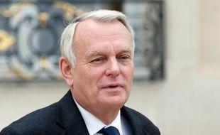 """Le Premier ministre Jean-Marc Ayrault a annoncé mercredi l'instauration d'""""une décote"""" permettant aux plus modestes d'être exonérés d'impôt sur le revenu en 2014."""