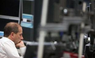 """L'agence de notation financière Moody's n'exclut plus de retirer à l'Allemagne, première économie en Europe, le fameux """"triple A"""" reflétant sa solidité financière, en raison de """"l'incertitude croissante"""" qui entoure la crise de la dette en zone euro."""
