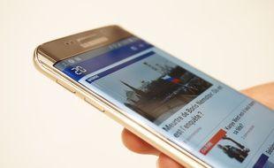 Le Galaxy S7 Edge devrait se rapprocher esthétiquement du modèle précédent de la marque coréenne, le Galaxy S6 Edge.