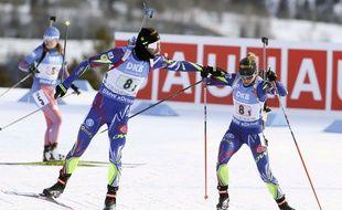 Martin Fourcade et Marie Dorin en relais mixte, le 7 février 2016 à Canmore, au Canada.