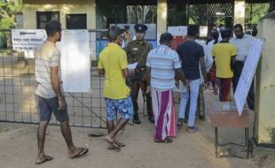 L'entrée d'un bureau de vote au Sri Lanka le 16 novembre 2019.