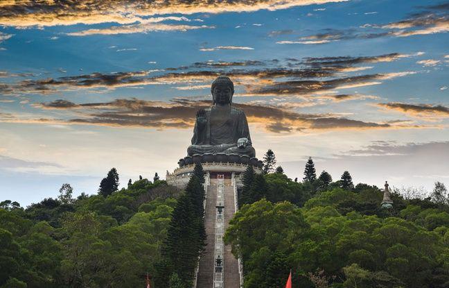Le grand Bouddha du monastère de Po Lin.
