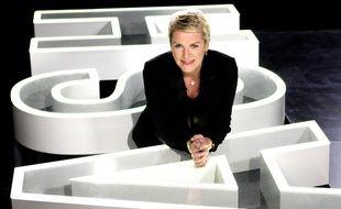 La journaliste Elise Lucet présente «Cash investigation» sur France 2.