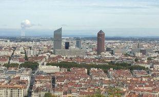 Vue de Lyon et de ses tours depuis la colline de Fourvière