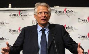 Dominique de Villepin, chef de la formation République Solidaire, présentait son «projet citoyen» au Press Club à Paris, le 14 avril 2011.