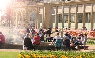 Le parc du Thabor à Rennes, ici près de l'Orangerie et des fontaines.