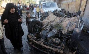 Des kamikazes ont attaqué jeudi un bâtiment gouvernemental à Bagdad et pris des otages qui ont été libérés quelques heures plus tard par les forces de sécurité, alors que le bilan des violences en Irak a dépassé les 900 morts en janvier.