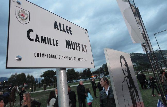 Allée Camille Muffat devant l'Allianz Riviera à Nice