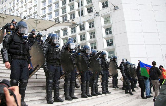 «Gilets jaunes»: Un colonel de gendarmerie reconnait des violences policières lors d'une intervention
