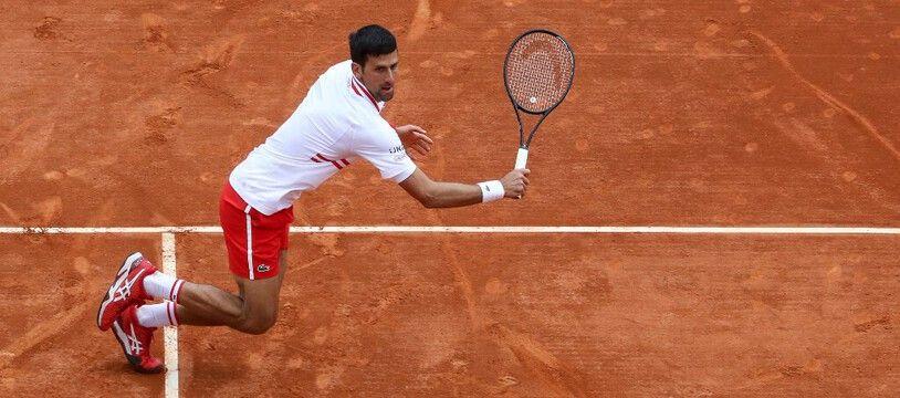 Djokovic sorti en huitième de finale à Monaco par le 32e mondial, le Britannique Dan Evans.
