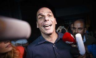 Yanis Varoufakis devant les médias à Athènes, en Grèce, le 1er juillet 2015.