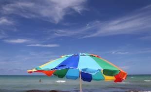 Un parasol sur une plage de Miami en 2015.