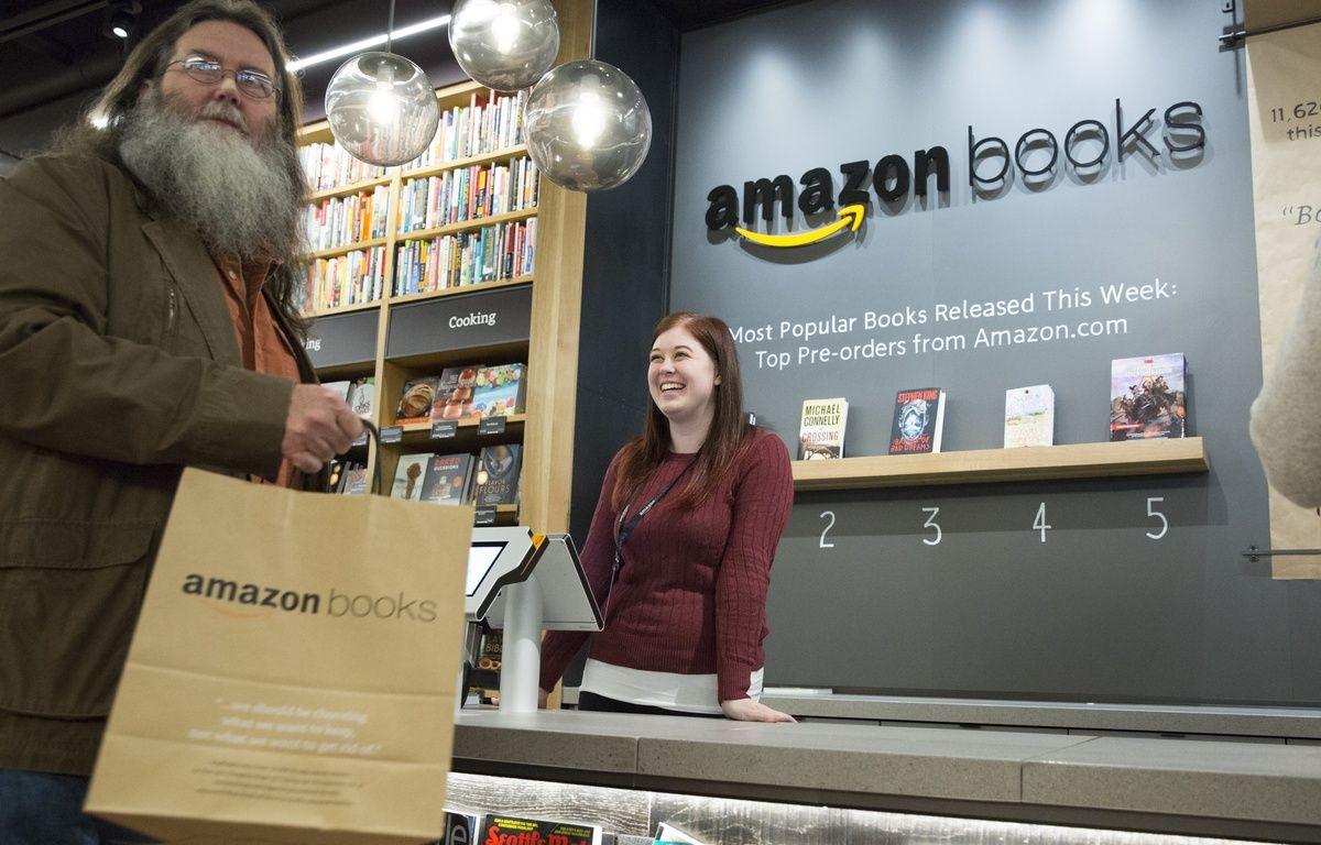 Une librairie Amazon a ouvert à Seattle à l'automne 2016. – JASON REDMOND / AFP