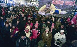 Plusieurs milliers de Hongrois manifestent contre le Premier ministre, Viktor Orban, à Budapest le 2 janvier 2015
