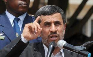 """Avec le départ de Mahmoud Ahmadinejad et l'arrivée d'un modéré à la tête de l'Iran, Israël perd l'""""épouvantail"""" pratique pour tenter de persuader ses alliés occidentaux de recourir à l'option militaire contre le programme nucléaire iranien, selon des experts israéliens."""