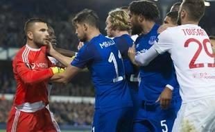 Anthony Lopes, Lucas Tousart et l'OL ont notamment participé à un début de bagarre mémorable contre Everton, en octobre à Goodison Park. SIPA