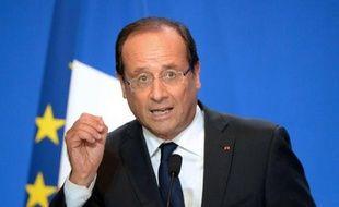 """François Hollande a réclamé mardi à Rennes """"la vérité sur tout ce qui s'est produit depuis des années"""" dans le groupe volailler Doux, mis en faillite, et il a assuré les salariés qu'aucun d'entre eux ne """"serait laissé sur le bord de la route""""."""