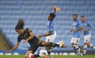 Un duel entre David Luiz et Raheem Sterling