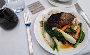 Des Singapouriens se ruent sur des dîners à bord d'un Airbus