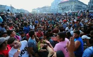 Des milliers de migrants installés devant la gare de Budapest, le 2 septembre 2015 en Hongrie
