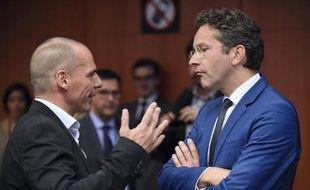 Le ministre grec des Finances Yanis Varoufakis et le président de l'Eurogroupe Jeroen Dijsselbloem à Bruxelles, le 11 mai 2015