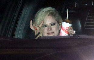 Avril Lavigne, à Malibu, le 2 mai 2021.