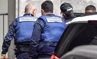 Nordahl Lelandais arrive au tribunal de Chambéry où il est jugé pour le meurtre d'Arthur Noyer