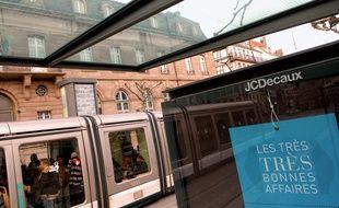 Le Conseil de Paris va réattribuer le marché du mobilier publicitaire urbain au groupe JC Decaux (Illustration).