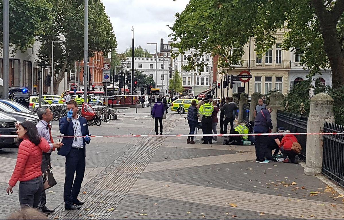 Une voiture a renversé plusieurs piétons à Londres devant le Natural History Museum, le 7 octobre 2017.  – Handout / @StefanoSutter / AFP