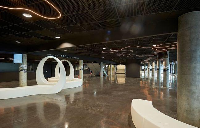 Le hall d'entrée de la Bordeaux Métropole Arena, d'une surface de 2.200 m2.