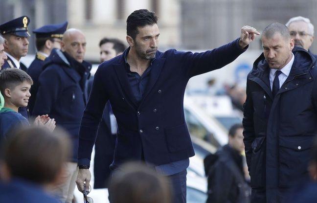 Gigi Buffon à son arrivée aux funérailles de Davide Astori.