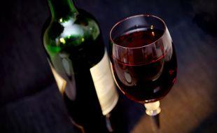 La consommation mondiale de vin a finalement moins baissé que les estimations des professionnels du secteur sur l'année 2020.