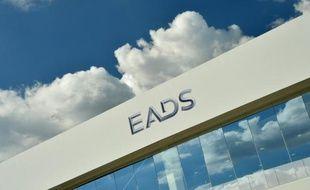 Le constructeur aéronautique et de défense européen EADS a annoncé mercredi avoir racheté 1,95% de son capital pour un montant de 600 millions d'euros auprès du groupe automobile allemand Daimler, qui a achevé de céder sa participation dans l'entreprise.