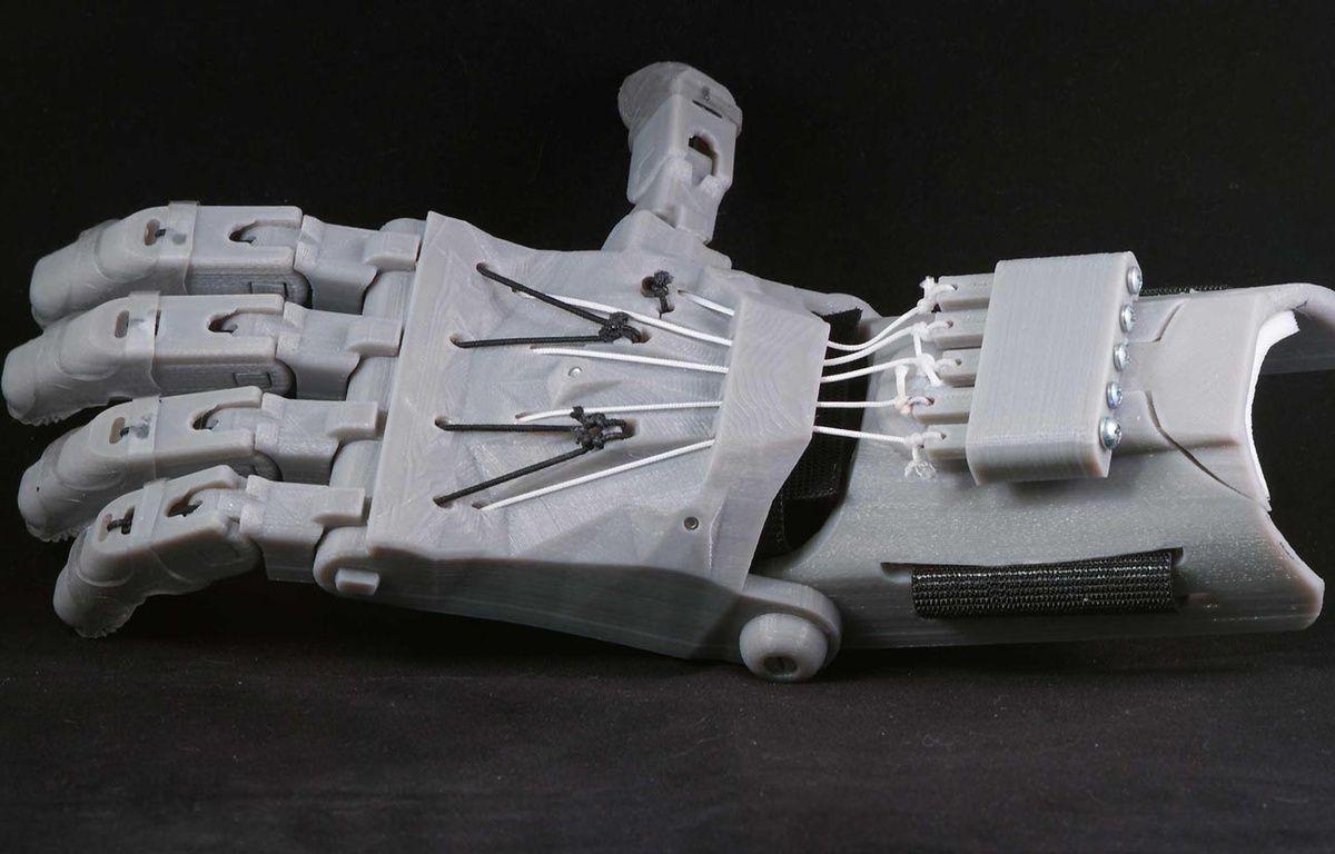Le modèle de prothèse de main imprimée en 3D «Raptor Hand», proposé par E-Nable. – E-Nable/Capture d'écran