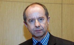 Jean-Jacques Urvoas (PS), le président de la commission des Lois de l'Assemblée nationale, suggère la création d'une Haute autorité pour contrôler le patrimoine des élus mais indique qu'il ne publiera pas le sien si la loi ne l'y oblige pas.