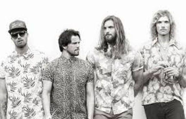 Le groupe de musiciens-surfeurs Sunset Sons