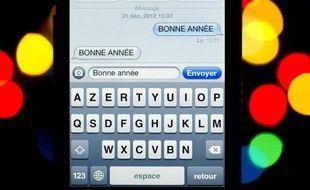 Le nombre de SMS envoyés à l'occasion du Nouvel an a connu une nouvelle hausse atteignant 1,4 milliard, contre 1,13 milliard en 2012, tandis que les MMS ont explosé, selon les chiffres définitifs fournis mercredi à l'AFP par les quatre opérateurs français de téléphonie mobile.