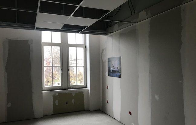 Les futures chambres de l'hébergement sont encore en travaux.